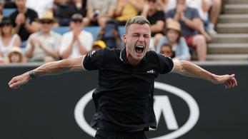 Fucsovics bejutott a legjobb 16 közé az Australian Openen