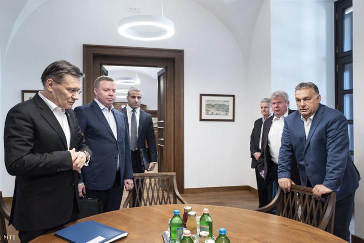 Orbán Viktor miniszterelnök fogadja Alekszej Lihacsovot a Roszatom vezérigazgatóját a Karmelita kolostorban 2019. május 12-én.