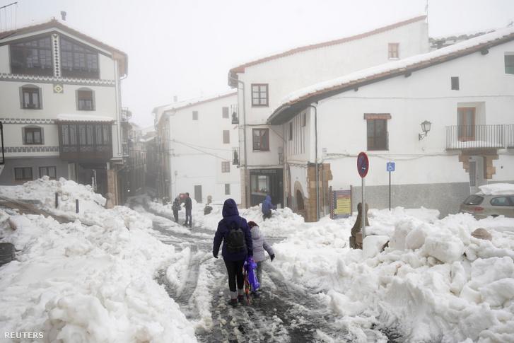 A Gloria nevű vihar havazást okozott Spanyolországban.