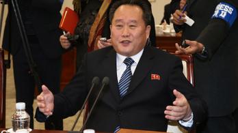 Új külügyminisztert és védelmi minisztert neveztek ki Észak-Koreában