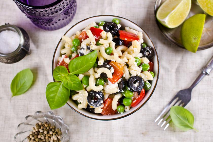 fehér tészta saláta