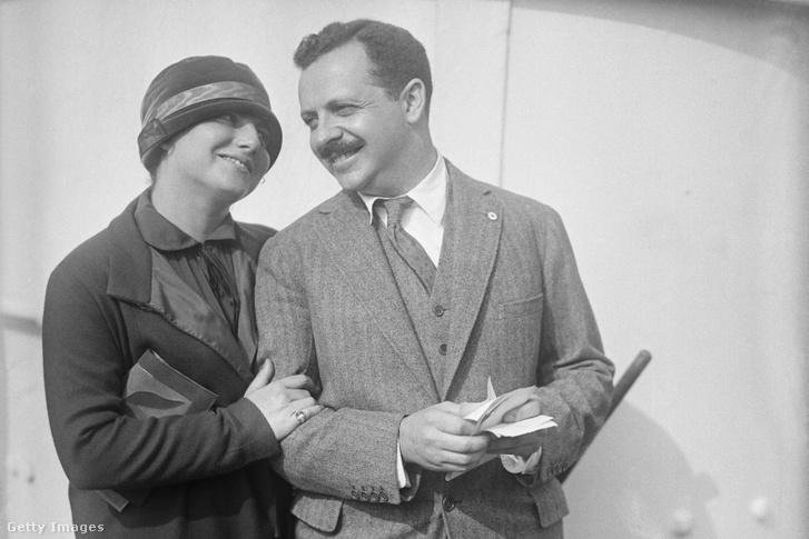 Edward Bernays feleségével 1923-ban