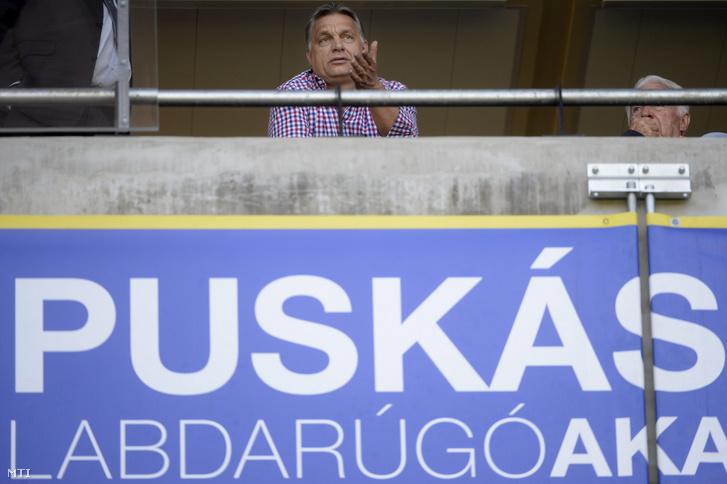Orbán Viktor miniszterelnök a Puskás Akadémia - Budapest Honvéd 2016-os mérkőzésen