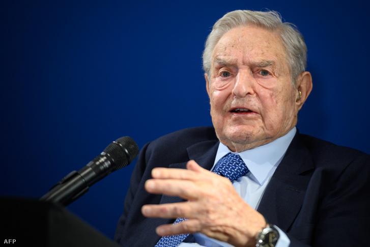 Soros György beszél a Világgazdasági Fórumon csütörtökön