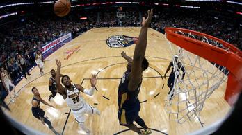 Lelátón landoló blokkal hergelte a közönséget a 130 kilós NBA-újonc