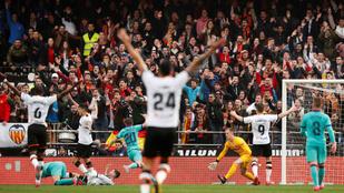 A Barcelona örülhetett, hogy csak 2-0-ra kapott ki Valenciában