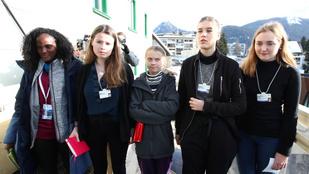 Levágták Greta Thunberg fekete aktivistáját fehér társai mellől egy képen