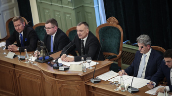 Visszafogott az érdeklődés Győrben a választáson, ahol Borkai Zsolt utódját keresik