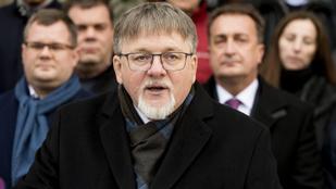 Az első adatok szerint a fideszes Dézsi vezet Győrben