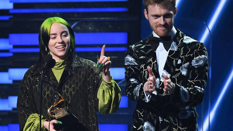18 éves tinilány tarolt az idei Grammyn