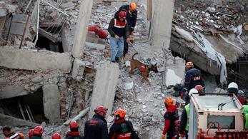 Már harminchat áldozata van a törökországi földrengésnek