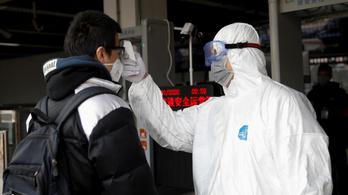 Fél nap alatt újabb harminc halottja lett a kínai koronavírusnak