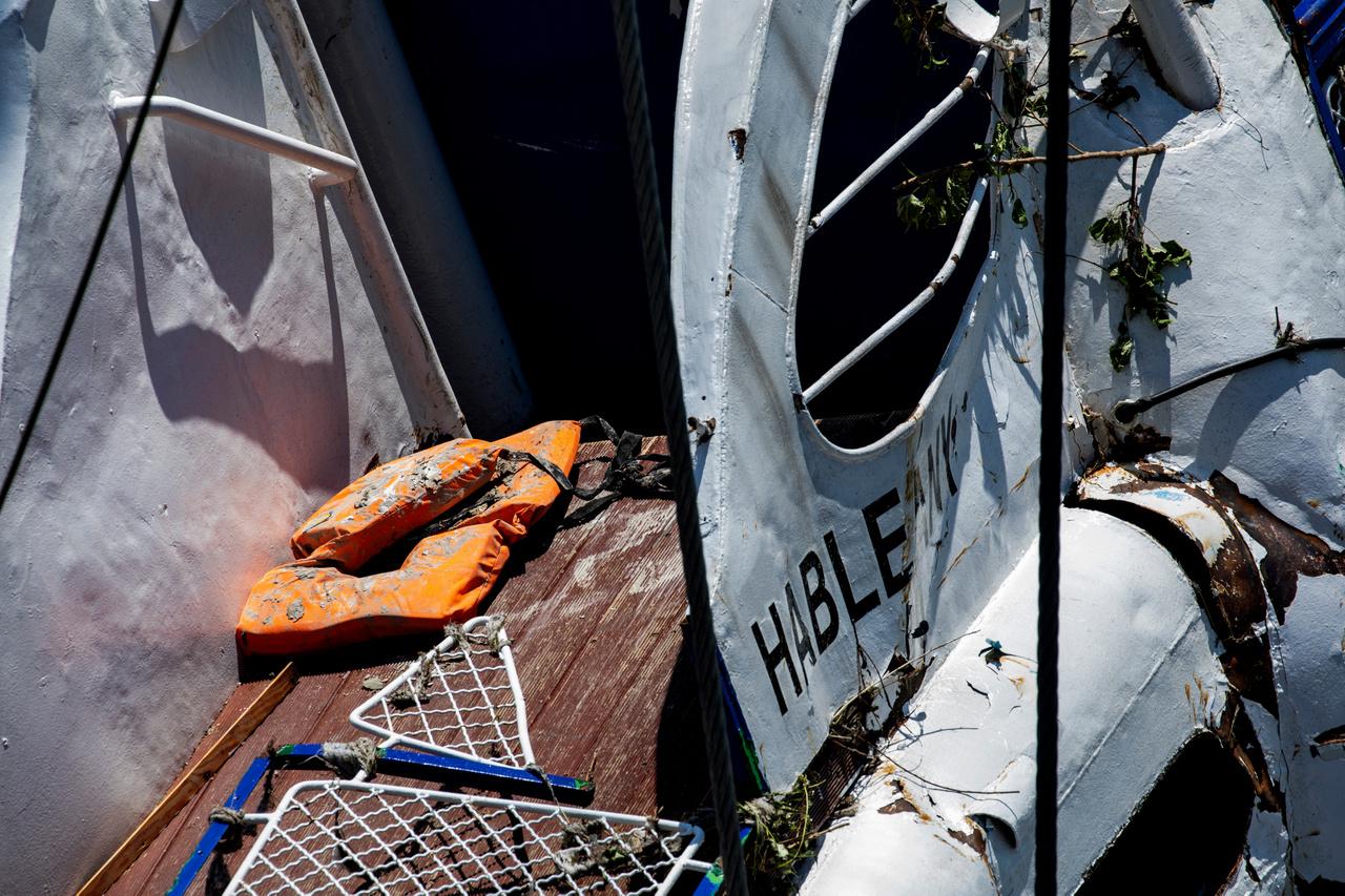 A Hableányt 2019. június 11-én emelték ki a Duna mélyéről, több lépésben, tíz órányi megfeszített munkával. Először felbukkant a kapitányi híd, majd teremszintig húzták fel a hajót, utána vízvonalig, majd a teljes kiemelést követően egy uszályra helyezték. Az emelés során a búvárok időről időre behatoltak a hajótestbe, hogy eltávolítsák a munkálatokat akadályozó tárgyakat, kívülről pedig folyamatosan szivattyúzták belőle a vizet.