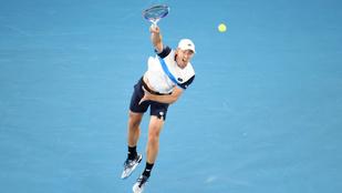Izzadt pólójával manipulálta a teniszlabdát Federer ellenfele?
