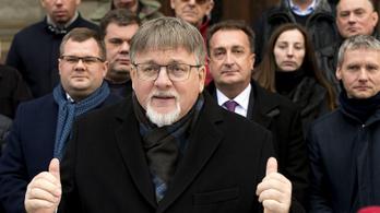 Jön a lex Dézsi, Győr új polgármestere kardiológusként is folytathatja