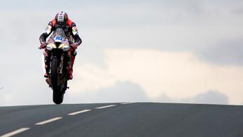 Aki újradefiniálta a sebesség fogalmát a Man TT-n