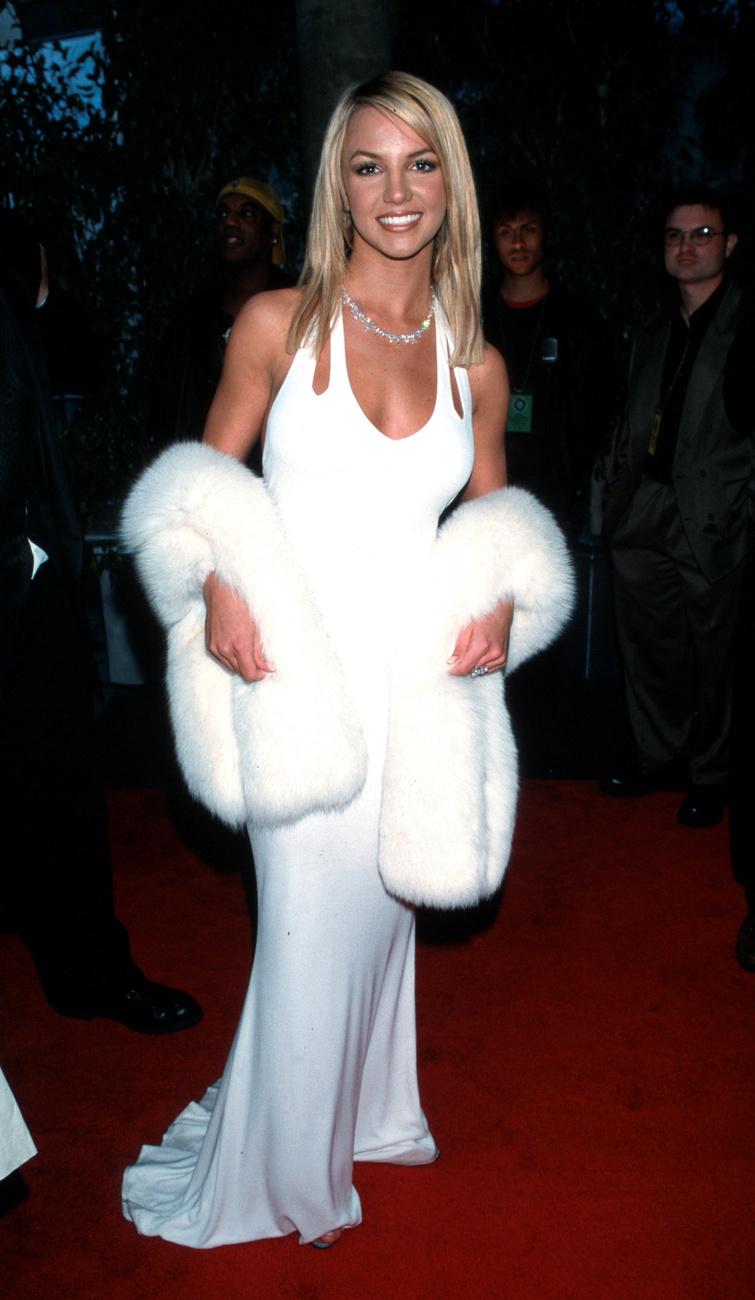 A szende szőke szépség nem más, mint Britney Spears,...