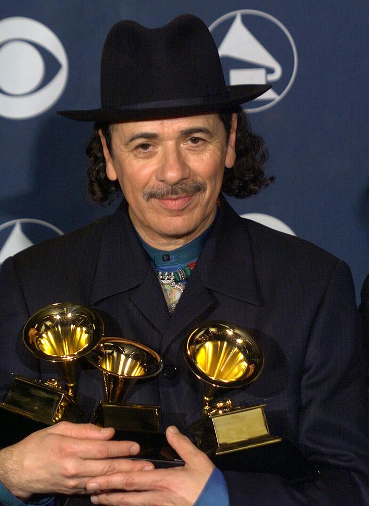 A 2000-es Grammyn Santana nyerte többek közt az év albuma és év felvételének járó díjat is.