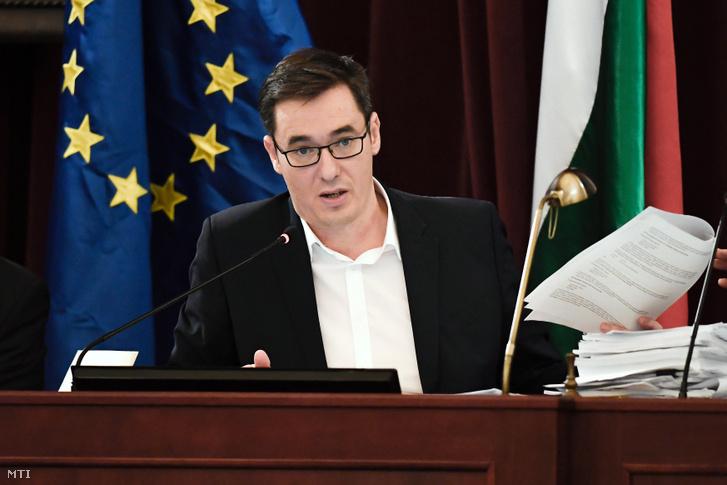 Karácsony Gergely a Fővárosi Közgyűlés ülésén a Városháza dísztermében 2019. november 27-én.