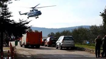 Tengerbe zuhant egy horvát katonai helikopter