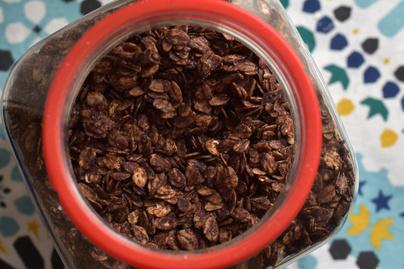 Csokoládés házi müzli, amivel sikerült kiváltanunk a cukros pelyheket a gyerekeknél
