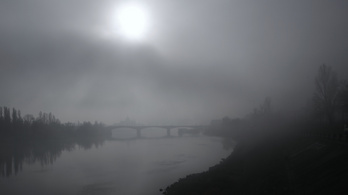 Ónos eső, hó, szél, köd!