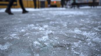Kifehéredett a Kékes, esett a hó az északi városokban