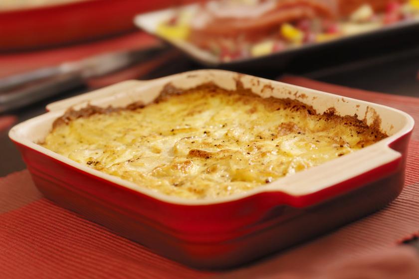 Fűszeres, darált húsos tepsis krumpli sok sajttal: jó szaftos lesz