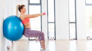 Erős core és comb: dinamikus guggolás fitlabdával