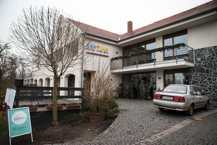 A következő megálló a Hotel Bonvino Borbár volt...