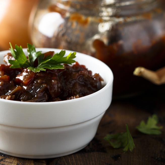 Fűszeresen pikáns hagyma chutney – A legunalmasabb sült húst is feldobja