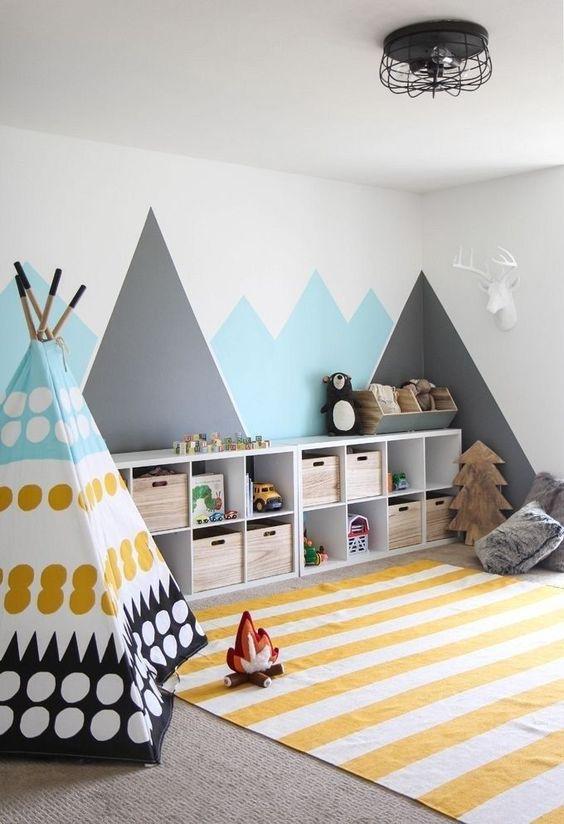 Az egymáshoz jól passzoló színek alkalmazása a falakon és a berendezésen remekül fel tudja dobni a fehér falat.