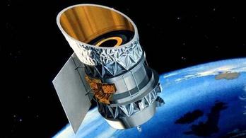 Ütközhet, vagy legalább pacsizhat két inaktív műhold