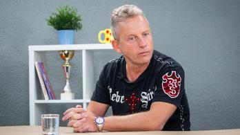 Schobert Norbert: A hiúság nagyon betalál