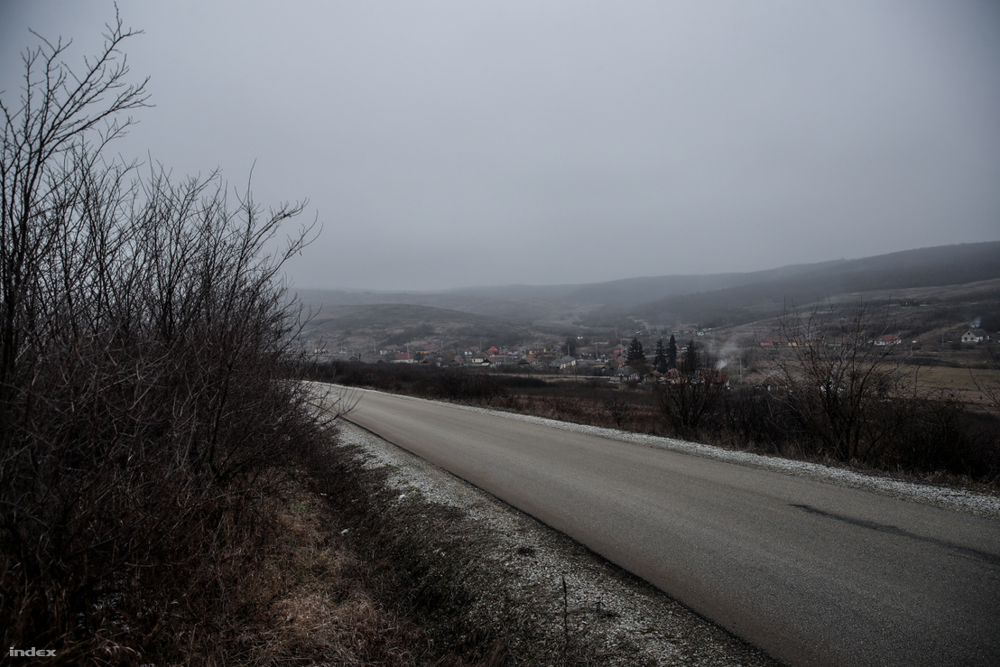 Az út, ahol a mentő várakozott