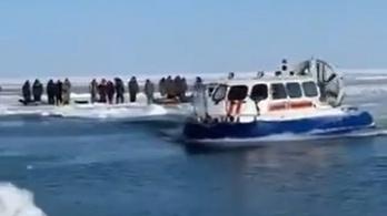 Több mint félezer szahalini horgászt mentettek ki egy sodródó jégtábláról