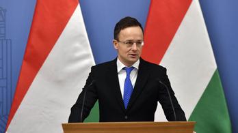 Szijjártó: Hét magyar kérte, hogy mentsék ki őket Kínából