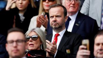 Szurkolók támadták meg a Manchester United alelnökének házát