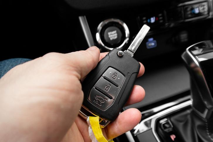 A bicskakulcsot továbbra sem értem a kulcs nélkül indítható és nyitható kocsiknál