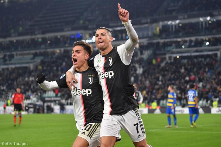 Cristiano Ronaldo és Paulo Dybala a Juventus–Parma bajnoki mérkőzésen 2020. január 19-én Torinóban