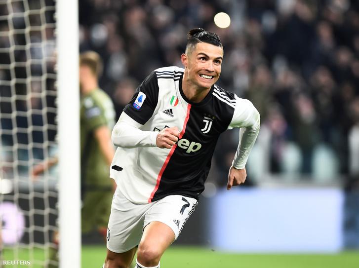 Ronaldo örül a góljának a Juventus - Vagliari mérkőzésen Torinóban 2020. január 6-án