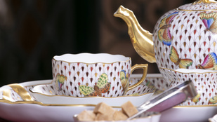 Nagyi vitrinjéből a világ luxuspiacára: ezért eszünk ma is herendi porcelánból