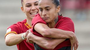 Mezlevétel gólrúgás után – ezek szerint ilyen a női fociban is van