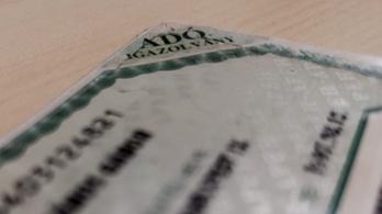 Felfüggeszthették az adókártyák gyártását