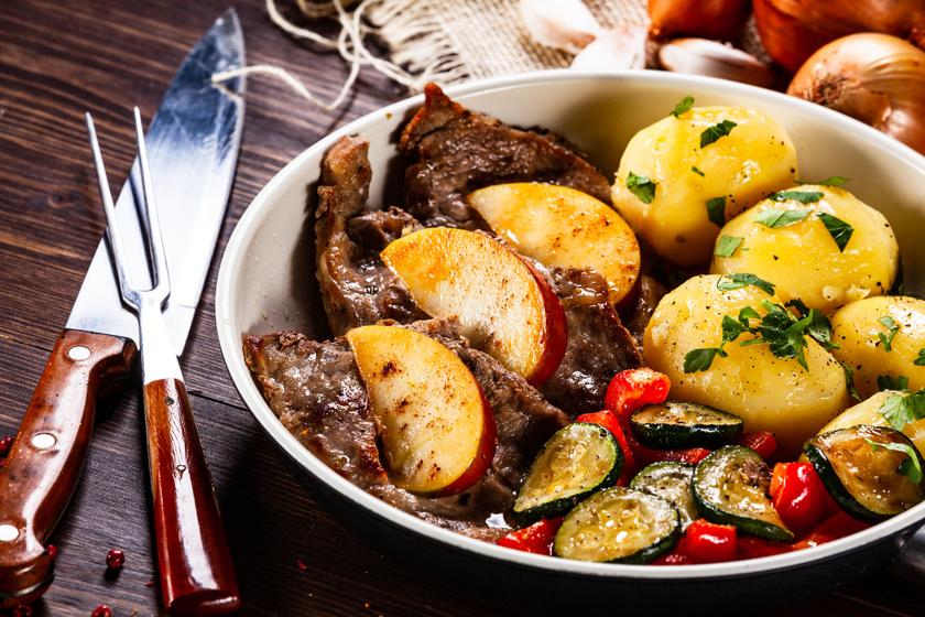 Fűszeres marhaszelet vele sült zöldségekkel: fantasztikusan puha lesz így a hús