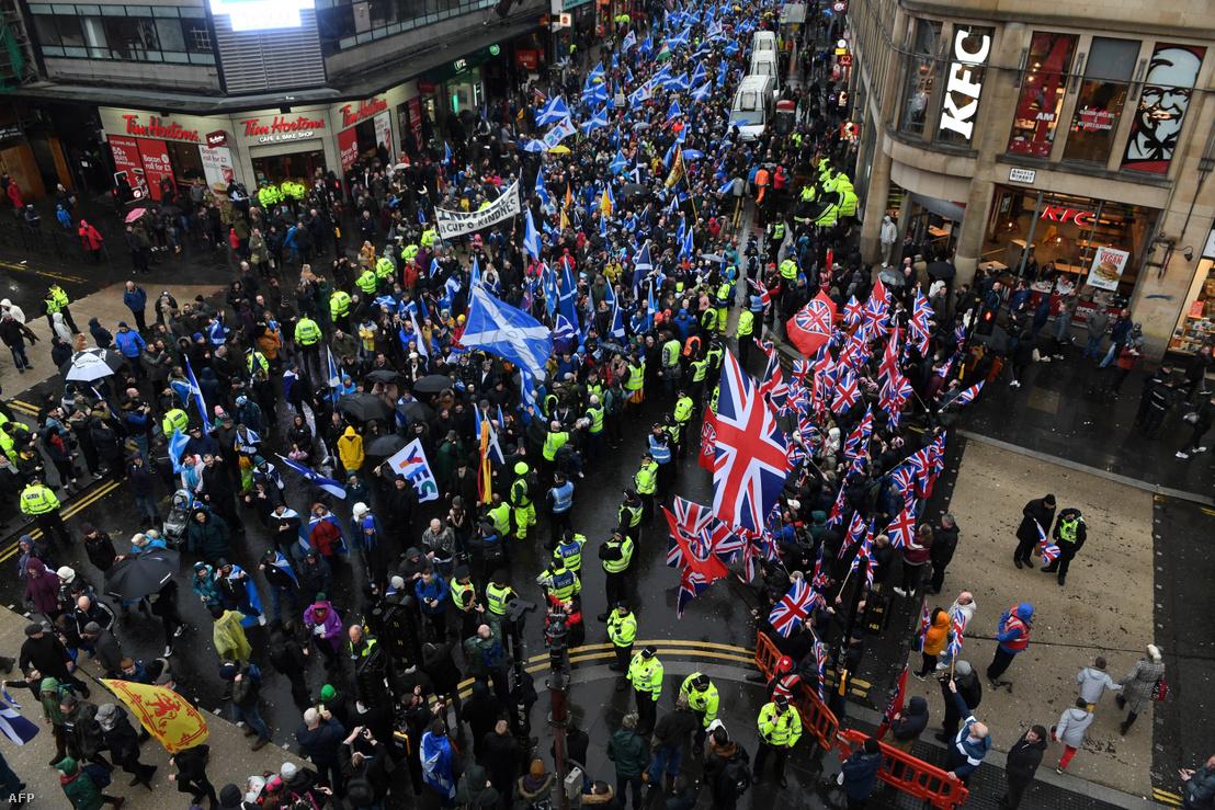 Skócia függetlenségéért tüntetők Glasgow-ban 2020. január 11-én