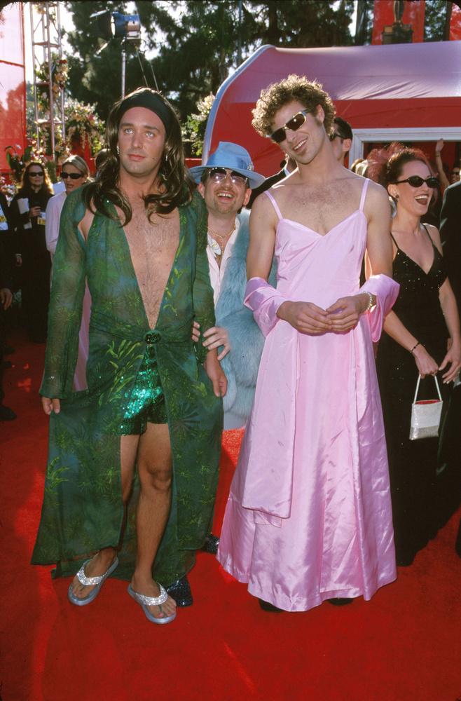 Hogy mi a közös Matt Stone-ban és Trey Parkerben? Mármint azon kívül, hogy mindketten női ruhába bújtak a 2000-es Oscar-gálán