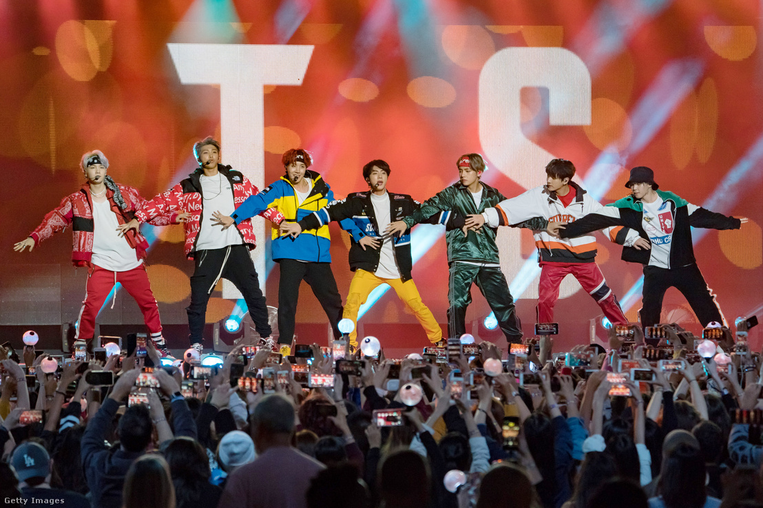 A BTS fiúcsapat a Jimmy Killel showban 2017-ben