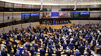 Egyenlő béreket követel a nőknek az EP