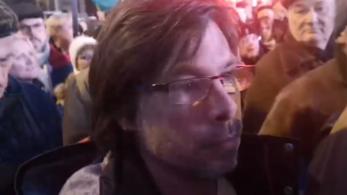 Megtámadták és megütötték a Hvg.hu újságíróját